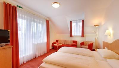 Hotel Kriemhild am Hirschgarten Bild 2
