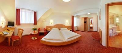 Hotel Kriemhild am Hirschgarten Bild 4