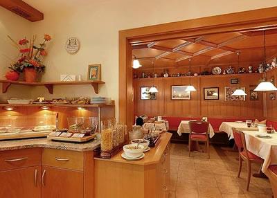 Hotel Kriemhild am Hirschgarten Bild 5
