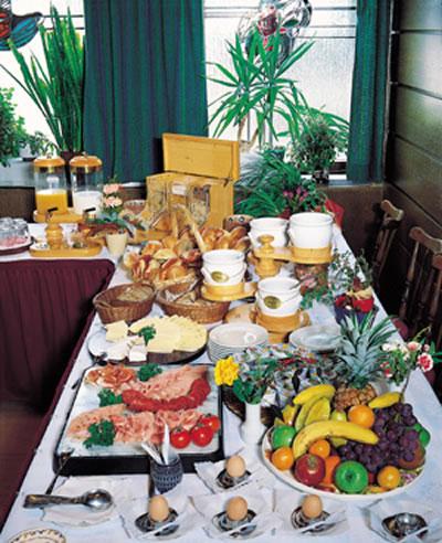 Hotel-Restaurant u.Metzgerei Gelbes Haus Bild 3