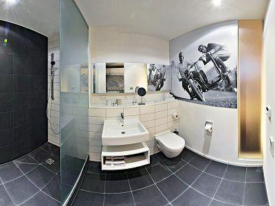 V8 HOTEL MOTORWORLD Region Stuttgart Bild 11
