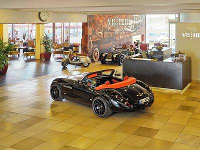 V8 HOTEL MOTORWORLD Region Stuttgart Bild 2