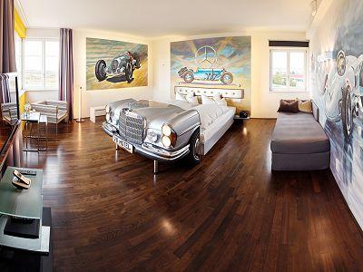 V8 HOTEL MOTORWORLD Region Stuttgart Bild 3
