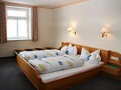 Fair Preis Hotel & Gasthaus Sonne Neuhäusle Bild 7